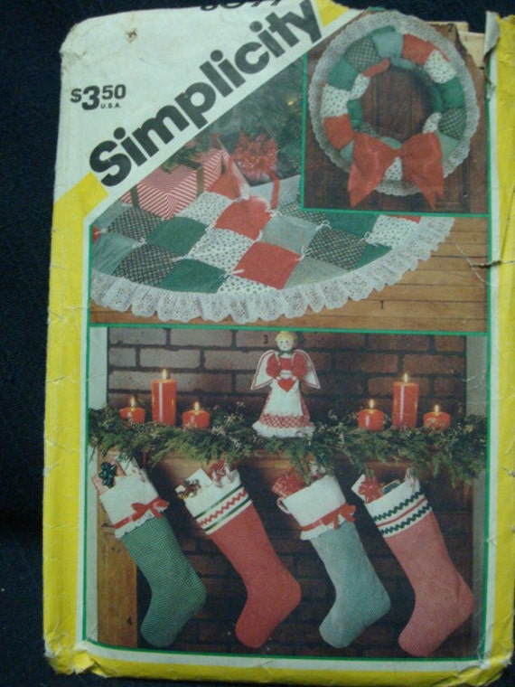 Uncut Simplicity 6099 Christmas Accessories Dated 1983