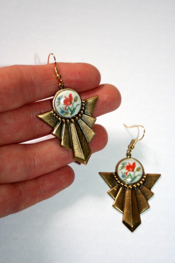 Art Deco Vintage 1950s German floral tulip glass antiqued brass earrings