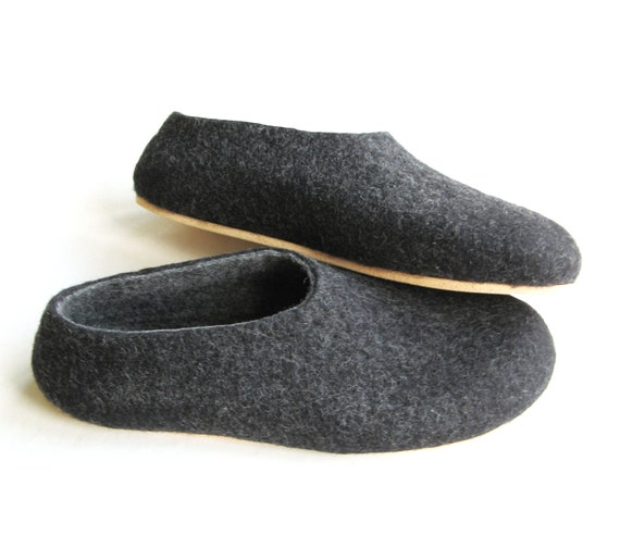 Charcoal Mens Slippers, Felted Wool Slippers, Minimalist Shoes, Mix and Match, Rubber Soles, Natural Shoes, House Shoes, Indoor Outdoor