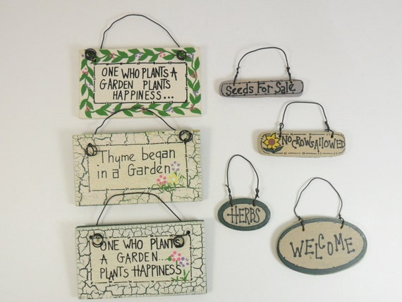 Garden Signs Painted Wood Vintage - 7 Pieces