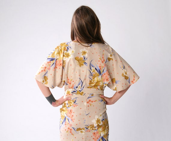 SALE 70% Floral kimono sleeves Women dress, only one left size 12