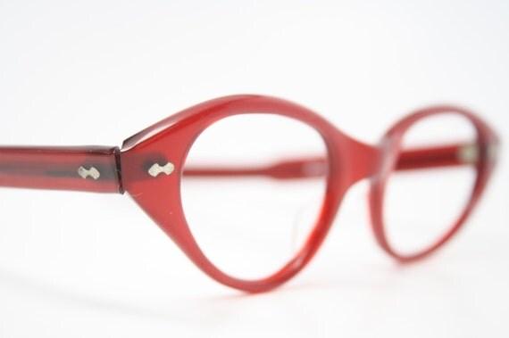 beautiful red vintage cat eye glasses retro