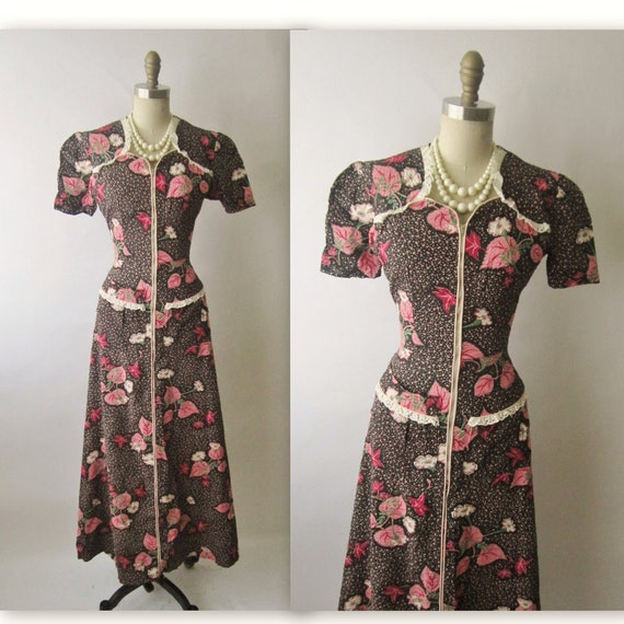 40's Floral Gown // Vintage 1940's Vibrant Floral Print Dressing Gown House Dress Robe S M