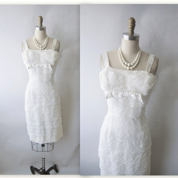 50's Wedding Dress // Vintage 1950's Lilli Diamond Tiered White Lace Wiggle Wedding Dress M