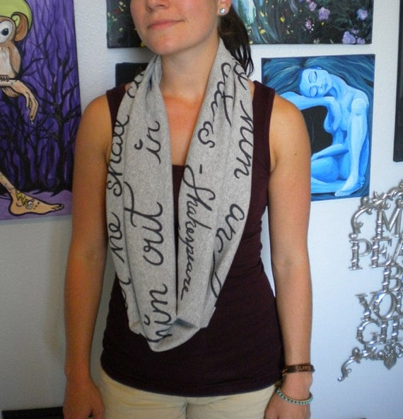 Shakespeare Infinity Scarf in Grey: When he shall die... Romeo and Juliet