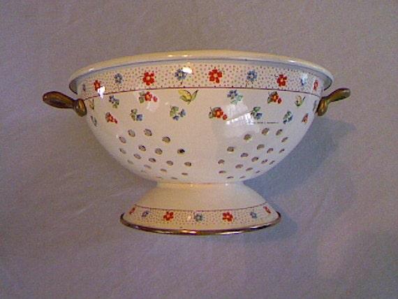 Vintage Enamelware Colander Made by M Kamenstein Inc.
