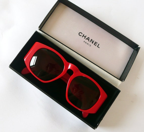 Authentic  Early 90's Red CHANEL sun glasses 0004 40