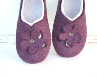 Women slippers - women house shoes, felted wool slippers Flowers, Mother's day gift, Easter gift