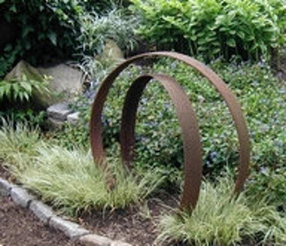 Reserve listing for Patricia Goodman , 2 Garden Art globes