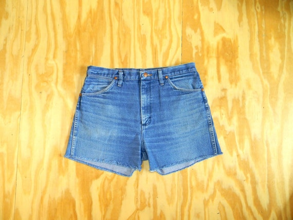 Vintage Denim Cut Offs - 80s/90s Blue Stone Wash Jean Shorts - High Waisted Cut Off/Frayed/Distressed Shorts by Wrangler Size 14/33.5 Waist