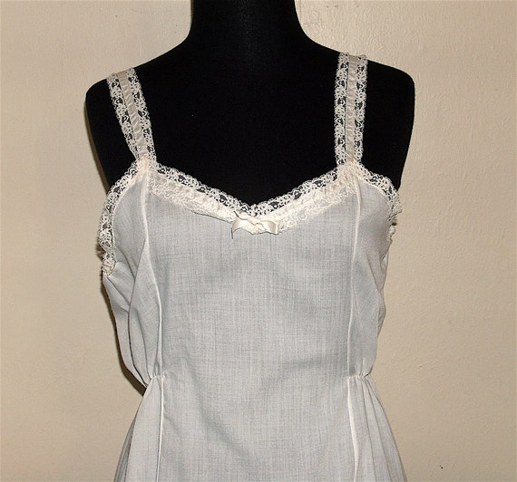 1960s Large Teen Her Majesty Cotton Full Slip size 14