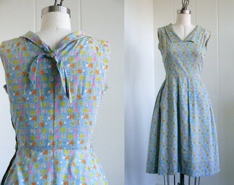 1940's Vintage Blue Patterned Summer dress with Tie in the Back