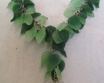 Green Leaf Cascade Y Necklace