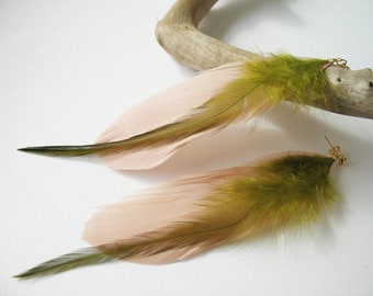 Long earrings studs with beige and green feathers