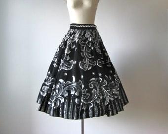 SALE vintage 1950s hand painted velvet circle skirt