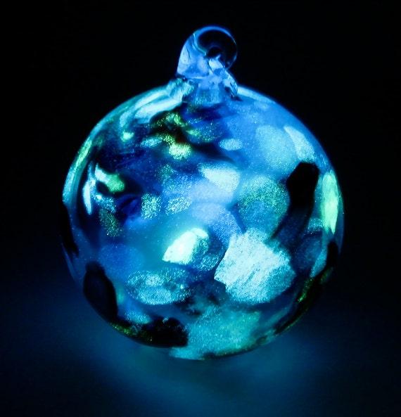 Glow in the Dark Glass Xmas Tree Ornament O2