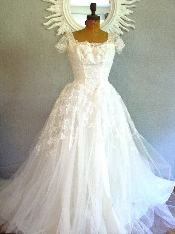 Reserved 50s Wedding Dress/ Bridal designer Marie of Pandora, Lace, Tulle, white gown