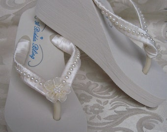 Ivory Flip Flops or White Flip Flops Bridal Flip Flops Sandals with Pearls and Flowers