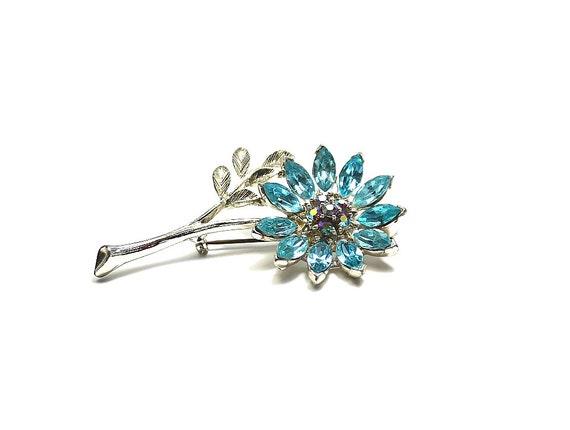 Lisner blue flower pin brooch. Book piece.  Designer vintage and stunning.  Perfect for summer.