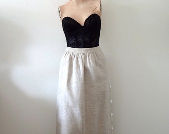 Vintage Linen Skirt / a-line skirt with side buttons