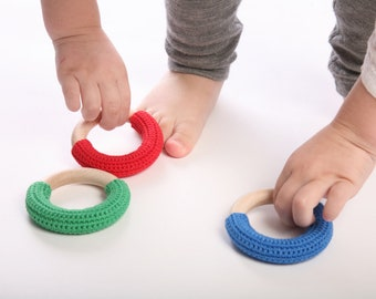 Mix of three teething rings / Babywearing / First Toys
