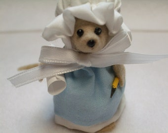 Free Shipping ) Crystal  is a beige  felt  Country Mouse Ornament Great for Mice Rat Rodet Animal Lover By Terrys Country Shop  ( 115  )