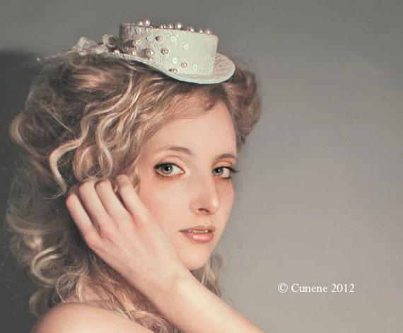 Cunene Wedding Bride Ivory Pearls Mini top-hat
