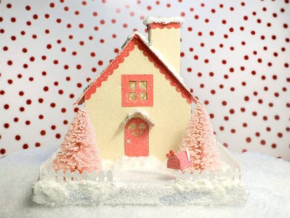 Valentine Glitter Putz House White/Pink Cottage