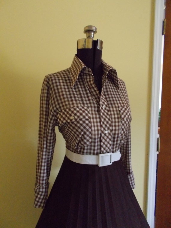 SALE Vintage Western Style Cotton Brown and Off White Gingham Plaid 1950s 1960s Button Down Blouse