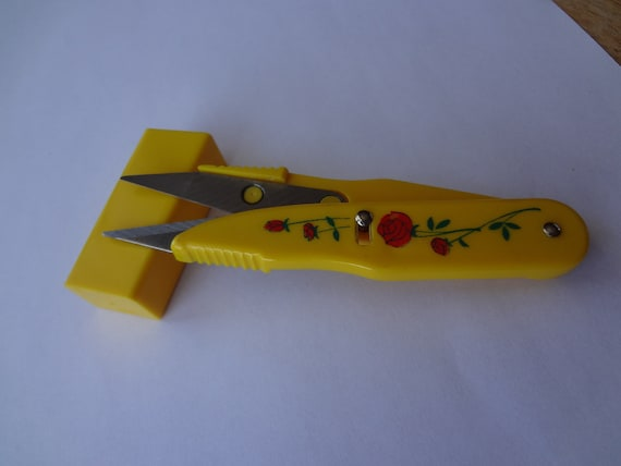 Vintage Yellow  Folding Thread Snipper With Case