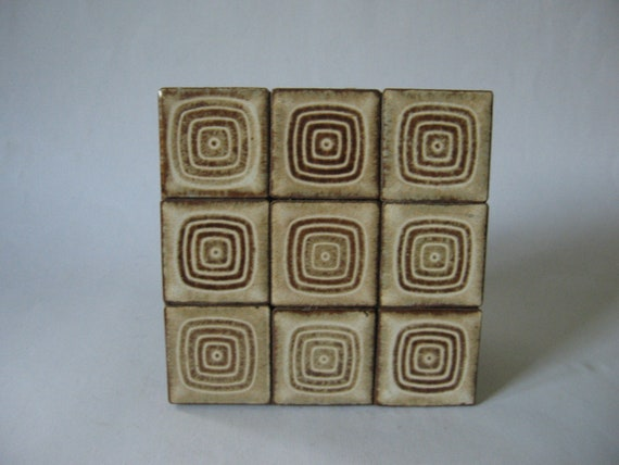 Six inch retro 70s tile tray coaster trivet brown mod atomic square pattern