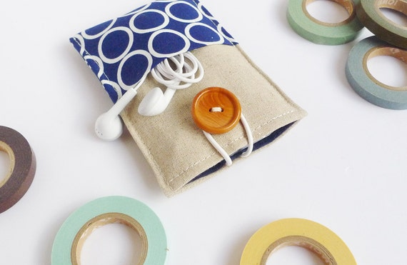 minimal pouch - circle on royal blue  - 2 extra pockets