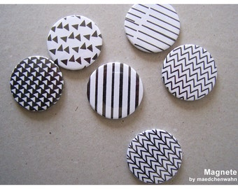 Set of 6 magnets HATCHING TWO