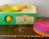 Vintage Fisher Price 995 Sesame Street Record Player Music Box Complete