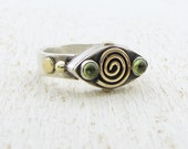 Silver and Gold Ring - Gold Spiral Ring - Peridot  Ring - 'Eye' Shaped silver Ring - OOAK Ring - Omiya