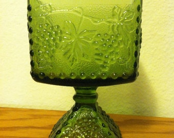 15%Discount/Vintage, Green, Candy Dish, Square Shape, Footed, Emerald Green, Pressed Glass