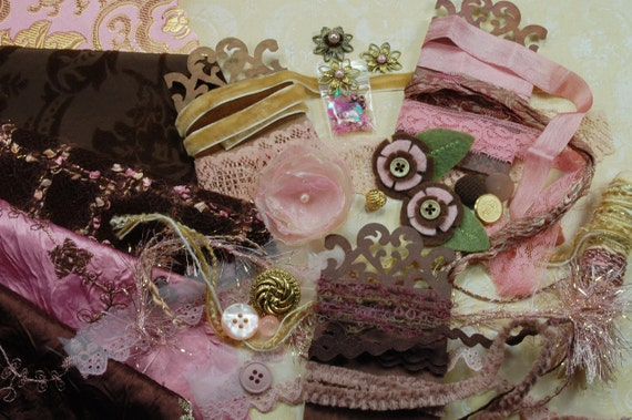 Climbing Roses. Inspiration Kit. Neapolitan Collection. Rich Browns, victorian rose and a hint of yellow No. 84a