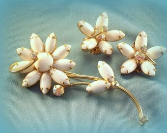 Vintage Daisy Flower Pin Brooch and Earrings Set Gold tone White and Aurora Borealis Stone
