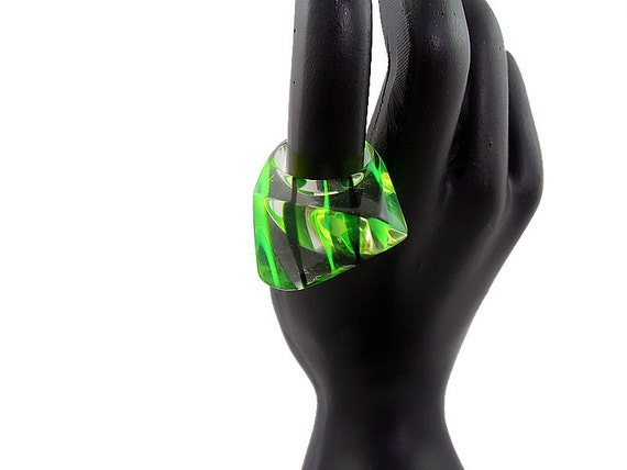 Laminated Lucite Ring with Green Stripes, Size 5
