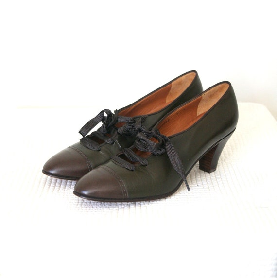 Vintage Oxford Shoes / Heels Spectator PERRY ELLIS Olive