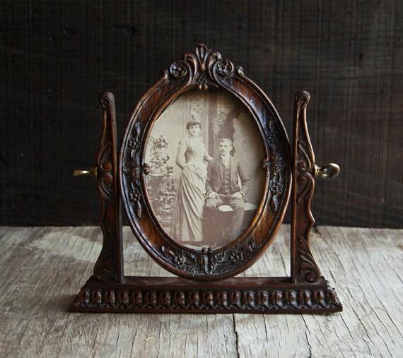 Vintage Wooden Frame- Victorian Oval