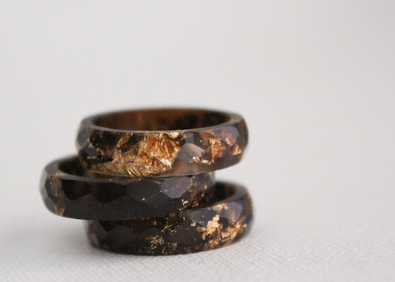 stacking size 7.5 multifaceted eco resin ring brown with gold flakes