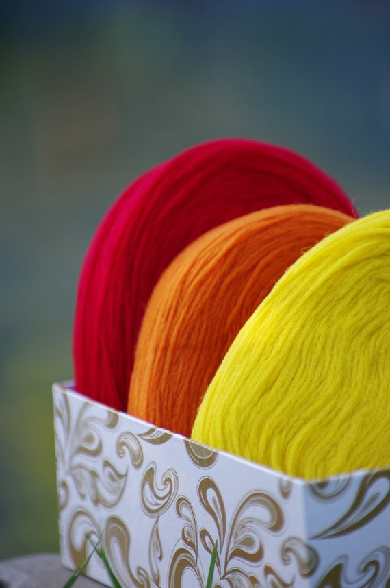 3 Solid Rovings , Red, Orange and Yellow.Thin Wool, Pre-Yarn, Spinning or Felting Fiber FREE SHIPPING WORLDWIDE
