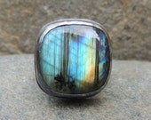 Chunky Labradorite Ring Size 8 with Starburst Cutout - Sterling Silver Cocktail Ring - Blue Green and Gold