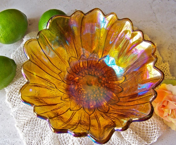 Vintage Carnival Glass Lily Pons Bowl Rainbow Iridescent Bowl Fruit Bowl Serving Bowl Vintage 1970s
