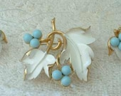 Sarah Coventry Demi 1967 Placid Beauty Floral Brooch Earrings Set Vintage Jewelry