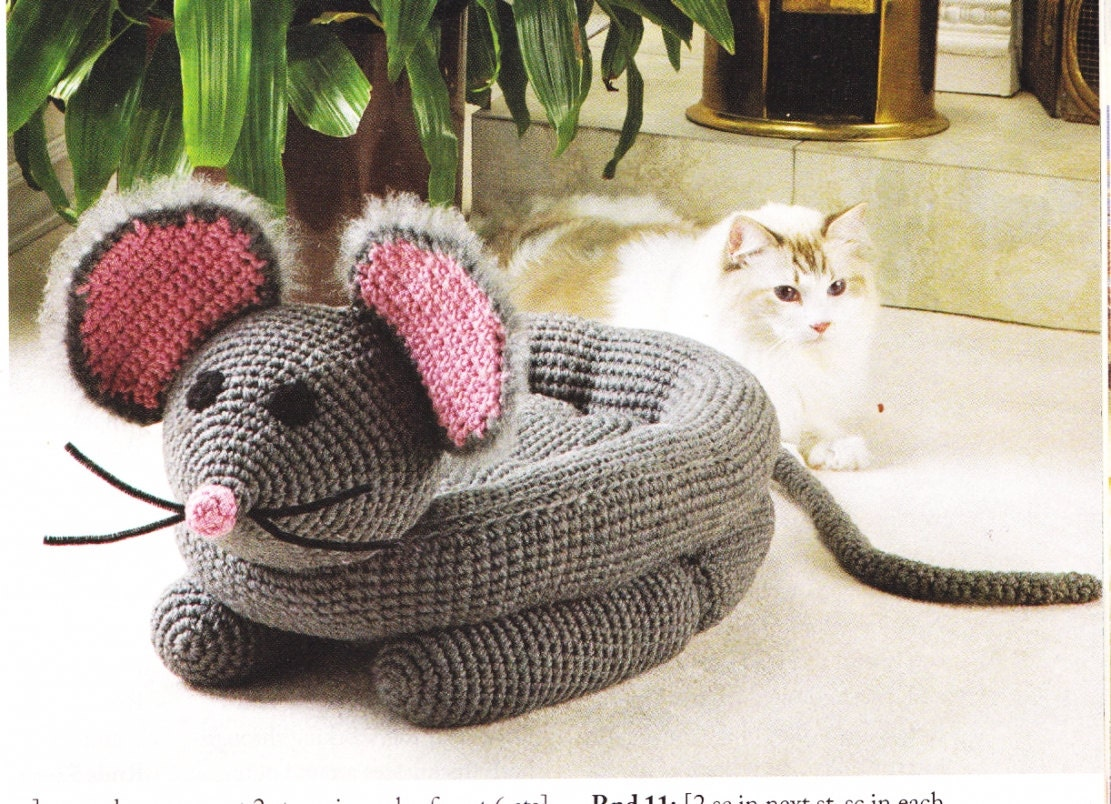 Crochet Patterns Pet Beds : 2008 Crochet Magazine Crochet Pattern for CAT or DOG by TheOldOwl
