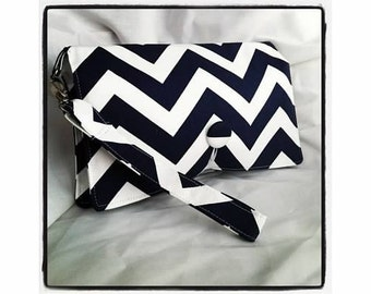 Diaper Wipe Clutch WRISTLET - Navy Blue & White Chevron- ZigZag  Organize your Diaper Bag