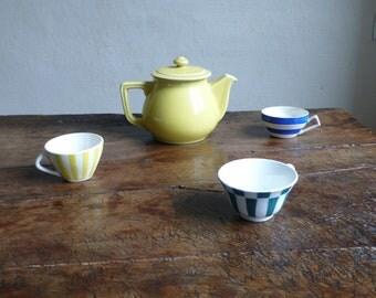 Unique teapots, Frenchshabbychic, Ceramic teapots, 1940s Yellow Teapot, Vintagegift, rustic teapots, teapot kitchen decor, vintage tea pot