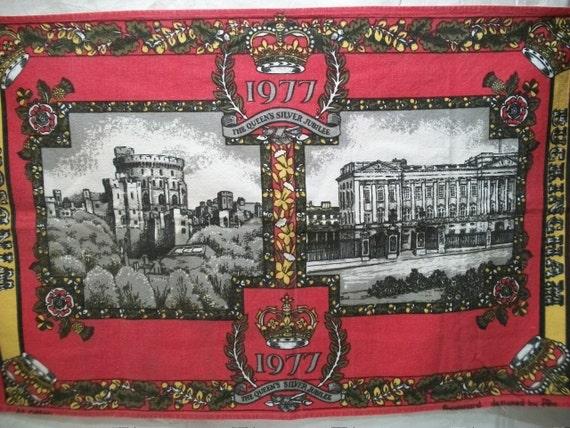 Vintage 1977 Tea Towel, The Queens SilverJubilee, Windsor Castle, Buckingham Palace, English Tea Towel